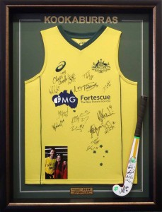 Kookaburras Shirt and Hockey Stick1